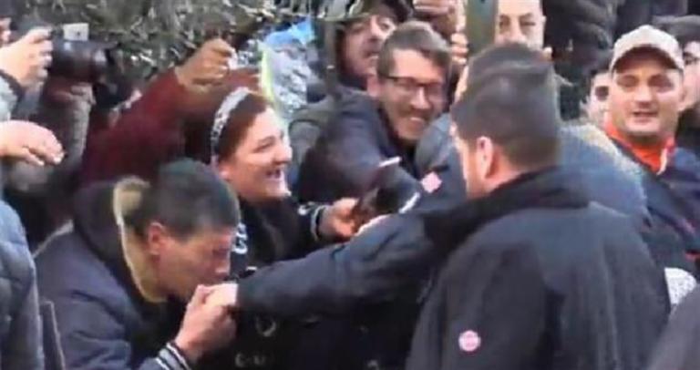 Clan Moccia e quel baciamano all'allora ministro Matteo Salvini