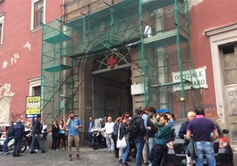 Irruzione all'ospedale San Gennaro: portano via le pistole alle Guardie giurate