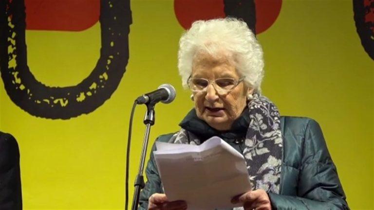 """L'Italia abbraccia la sopravvissuta Liliana Segre: """"Contro l'odio, la memoria"""""""