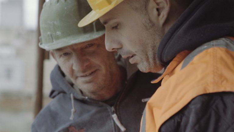 """Morti bianche: gli """"auguri al contrario"""" della Fillea Cgil Campania in uno spot"""