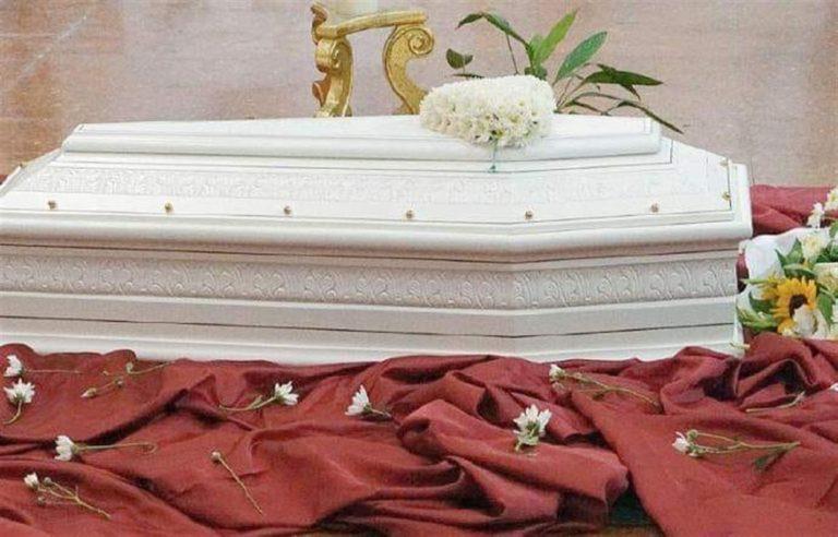 Bambino trovato morto nel  carrello d'atterraggio di un aereo allo scalo francese