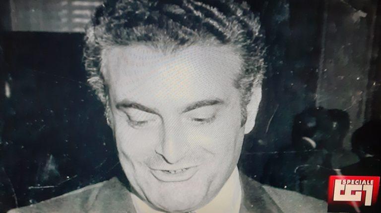 Piersanti Mattarella dopo 40 anni dall'omicidio, si riscopre la grandezza di uno statista che disse 'no' alla mafia e tentò di cacciare dalla Dc gli amici di 'Cosa Nostra' per rinnovare la Sicilia
