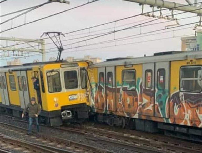 Scontro tra due convogli della metropolitana: 13 feriti