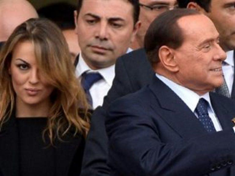 Berlusconi, la giovane deputata e l'amore senile