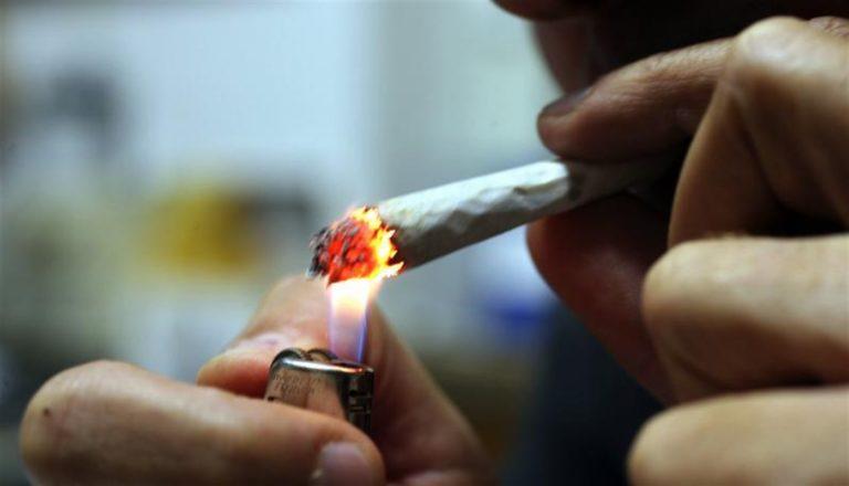 """""""Devo fumare una canna"""", denunciato dai carabinieri"""
