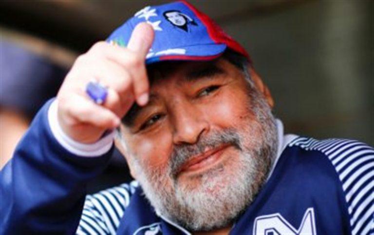 """Diego Armando Maradona sprona il presidente Fernandez :""""Ancora più uniti Covid-19″"""