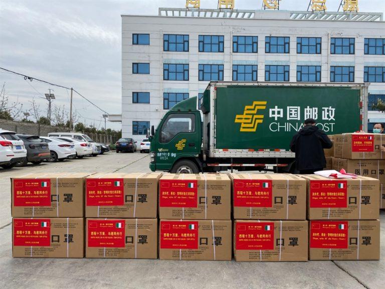 La Cina dona a Napoli, 50mila mascherine