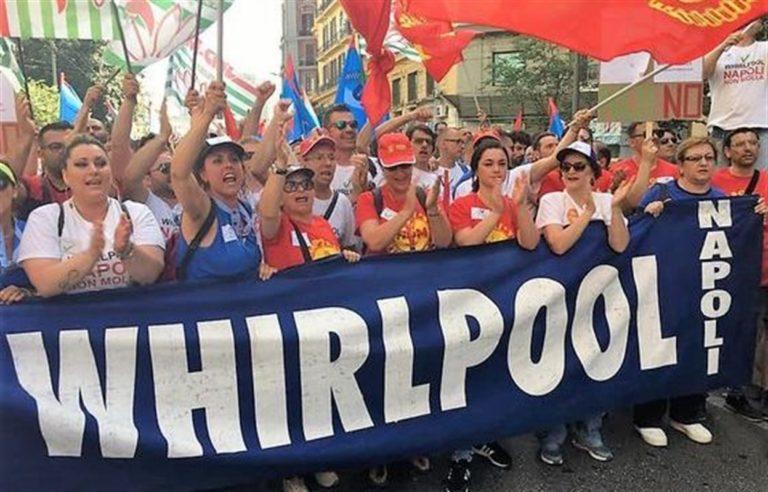 """Whirlpool conferma stop stabilimento di Napoli : """"Alle 00.01 del primo novembre l'azienda chiuderà"""""""