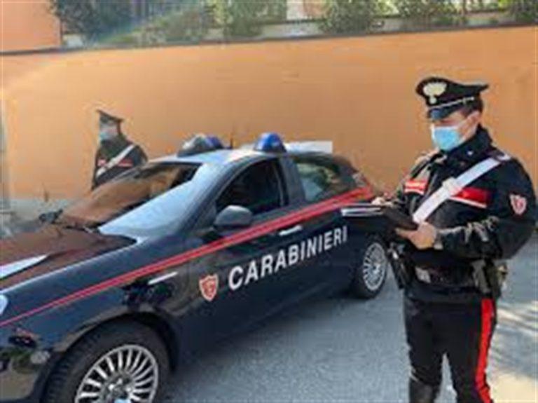 A Napoli 'cassetti' nella parete per nascondere droga