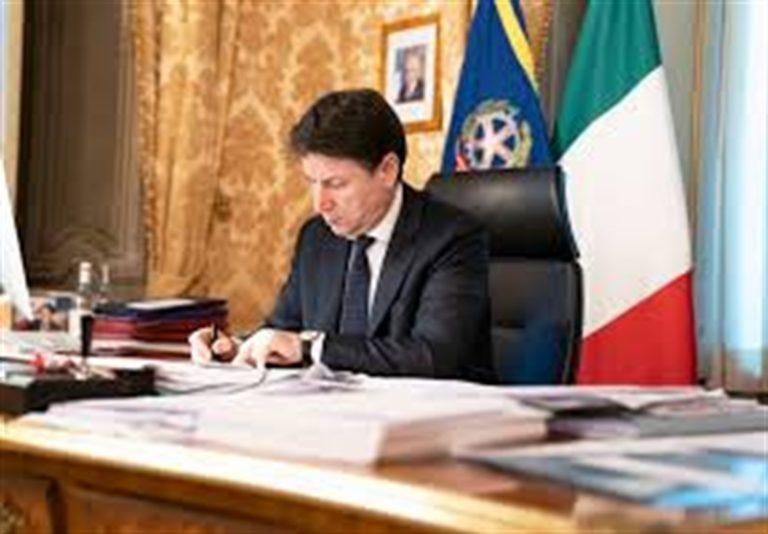 """Campania, inviare esercito per la gestione Covid-19. Il premier Conte: """"Occorre dare un segnale"""""""