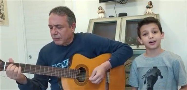 """VIDEO/25 Aprile. """"Bella Ciao"""", il figlio dell'artista Federico Salvatore incanta e commuove"""