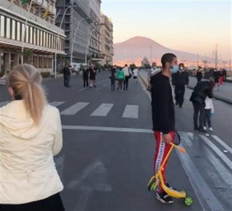 """De Luca ci ripensa: """"Vietato il jogging"""""""