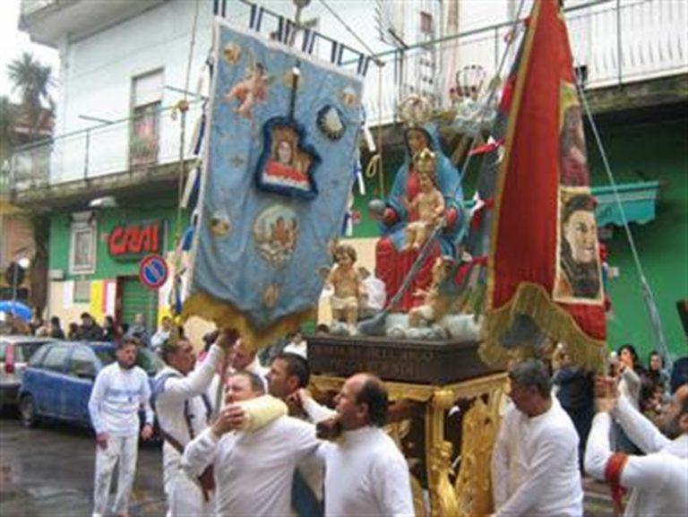 De Luca vieta a Pasqua accesso a Madona dell'Arco