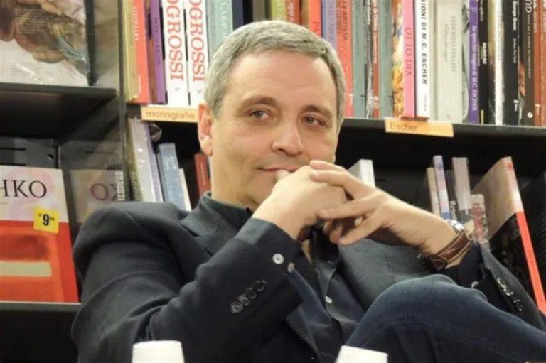 """L'accusa dello scrittore  De Giovanni: """"Regione e Comune indecorosi"""""""