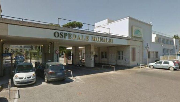 Ospedale Monaldi, scoppia il contagio: primario e quattro infermieri positivi al Covid