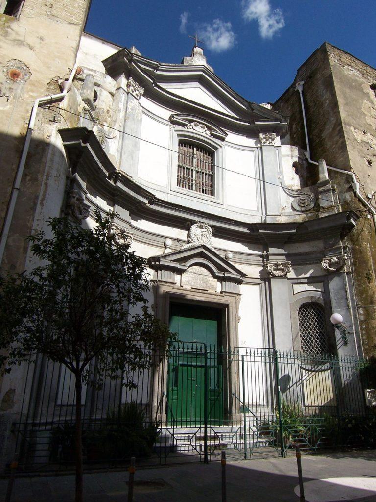 Rione Materdei tentano furto nella chiesa di San Raffaele