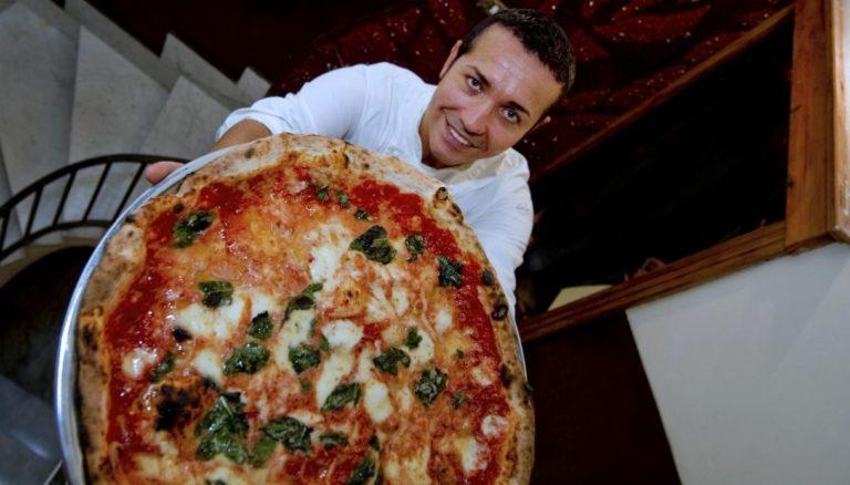 """L'allarme di Gino Sorbillo: """"Chiuderò quattro pizzerie"""""""