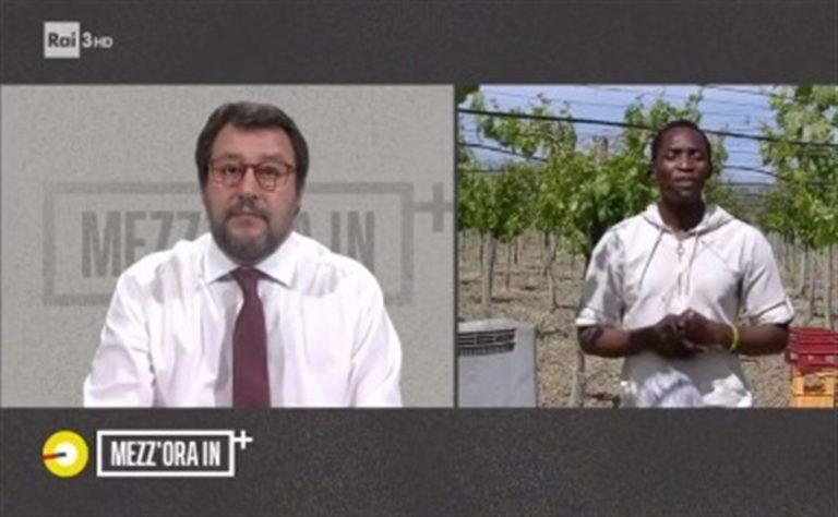 """Il sindacalista Soumahoro invita Salvini nei campi: """"Metta gli stivali e venga ad ascoltare i contadini"""""""