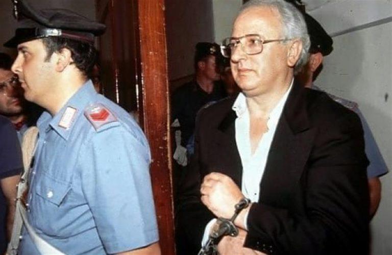 """Cutolo resta dietro le sbarre. Il legale: """"Detenuto destinato a morire in carcere"""""""