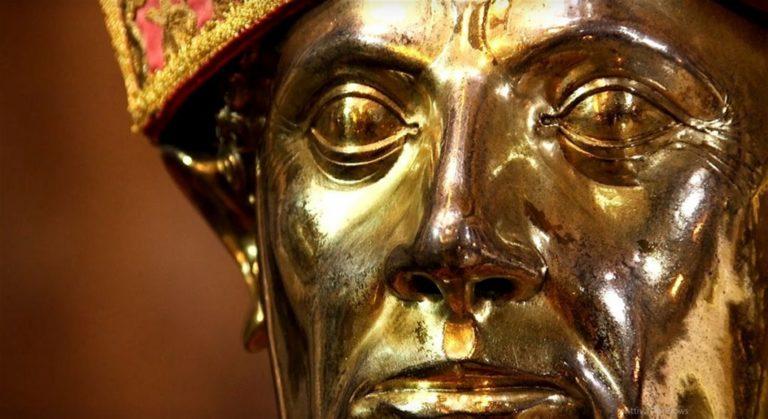 San Gennaro come nel dopo guerra : niente processione ma il Patrono non tradisce Napoli