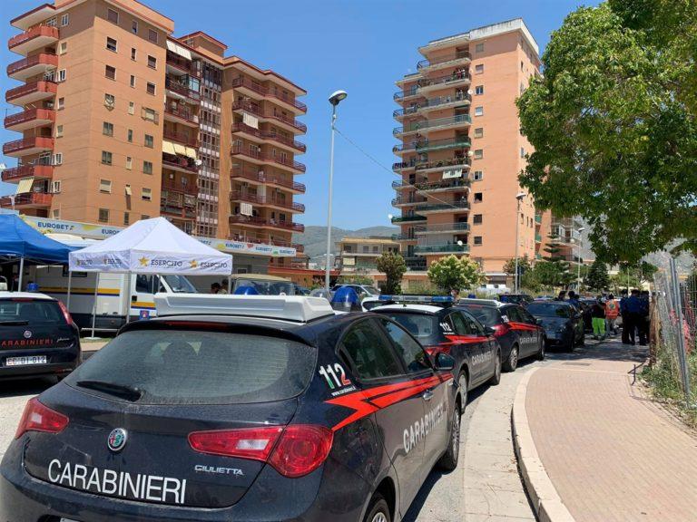 Mondragone, De Luca chiede l'esercito per presidiare la zona rossa. I contagiati salgono a 49. Tensione con i residenti