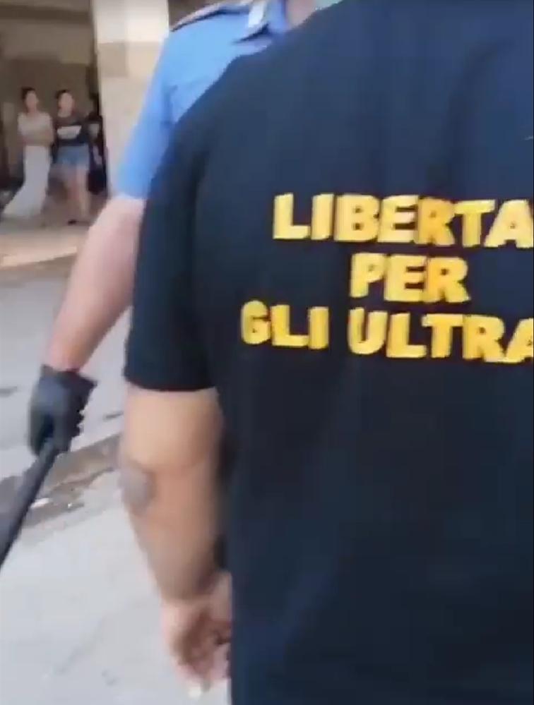 Salvini soffia sul fuoco di Mondragone. E c'è chi aizza la piazza contro i bulgari