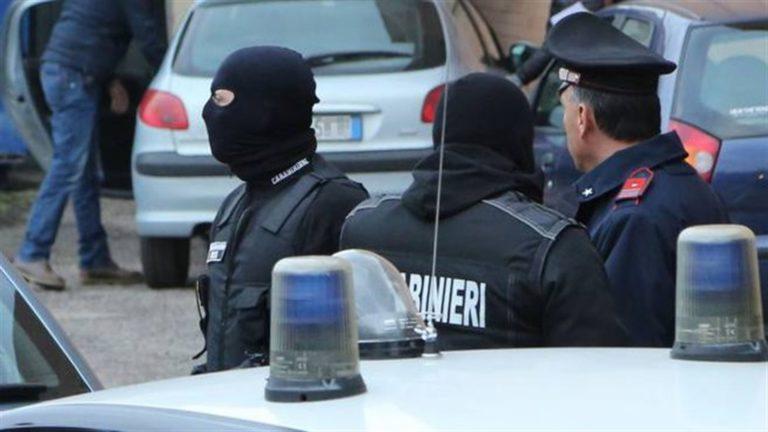 Indagato il parlamentare Luigi Cesaro mentre sono stati arrestati i suoi fratelli. Finisce in carcere anche il patron del centro di analisi 'Igea' di Sant'Antimo