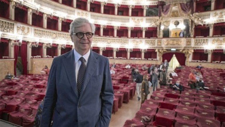 """Teatro San Carlo l'ira di de Magistris: """"Il management cambi marcia e tuteli  i lavoratori e le lavoratrici non le élite"""""""