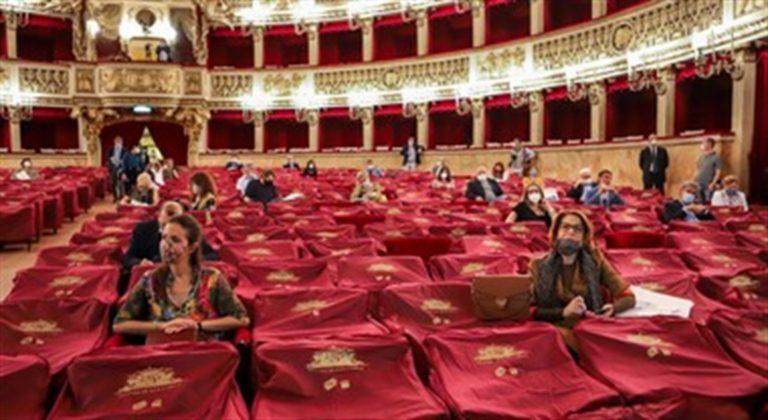 Cgil sulle barricate, i lavoratori del Teatro San Carlo pronti alla protesta