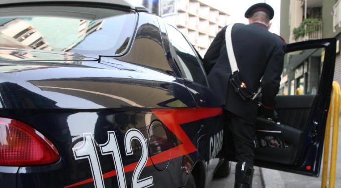 Tentano estorsione a imprenditore del Casertano, due arresti