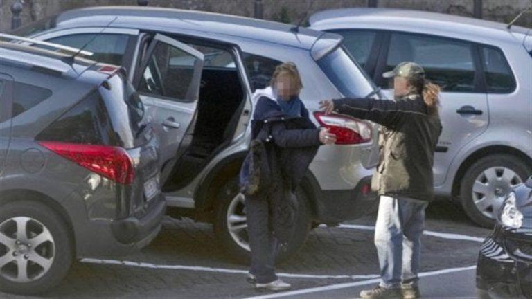 Parcheggiatori abusivi con il reddito di cittadinanza: oltre 40 indagati a Napoli