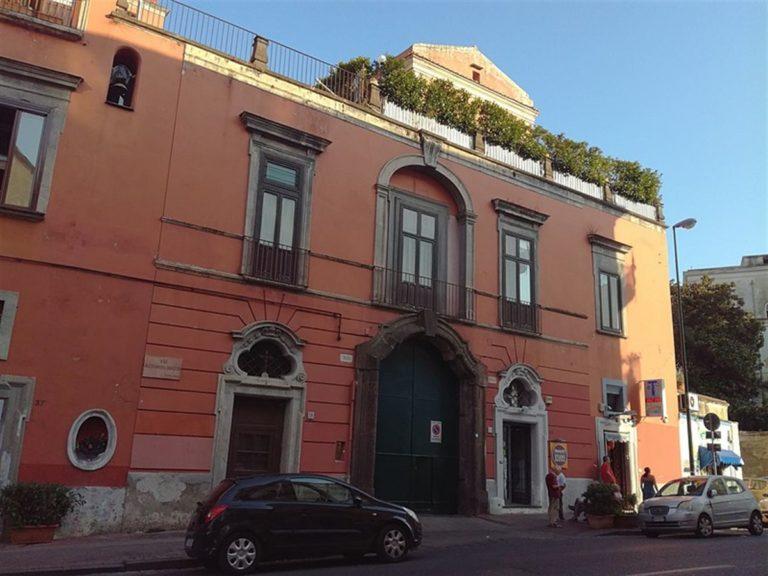 Accanto al 'Teatro Patrizi' di Posillipo spuntano  appartamenti abusivi : scatta il sequestro