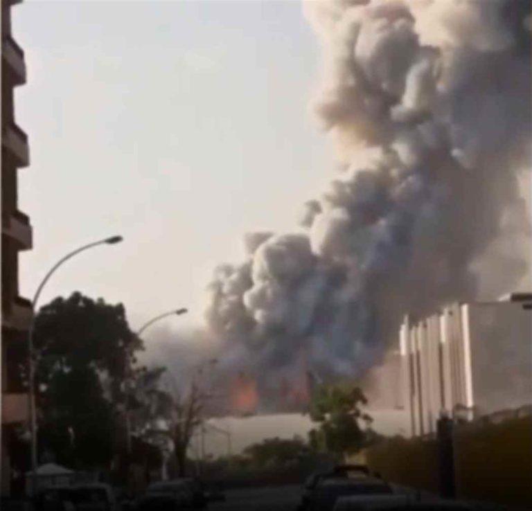 Esplosioni a Beirut, formata nell'aria una nube tossica. Oltre 70 morti e 4000 mila feriti