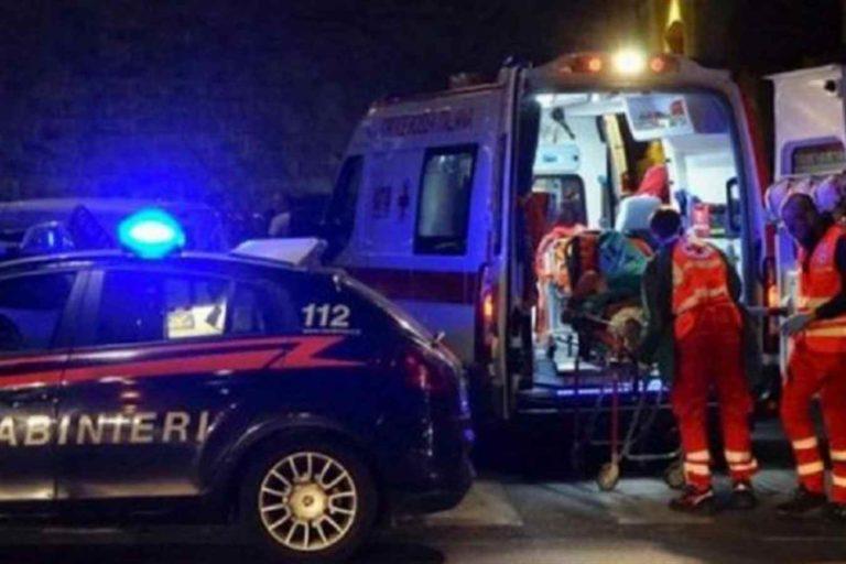 Falciate mentre attraversano la strada: muore 15enne, ferita grave l'amica coetanea