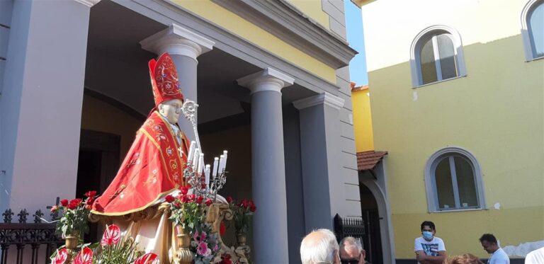 San Gennaro: si è ripetuto il miracolo, sciolto il sangue
