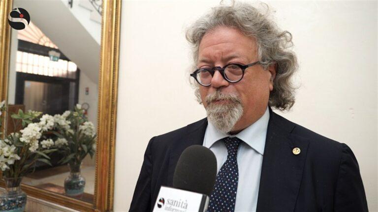 """Covid-19, Appello del presidente medici di Napoli:""""Preoccupati per i  giovani, non sono attenti"""""""