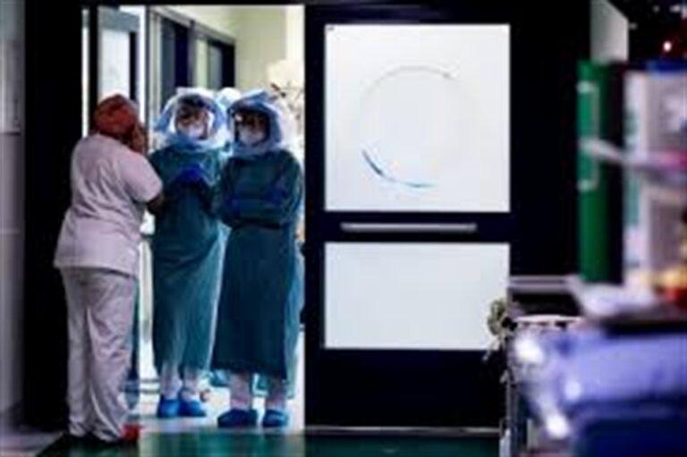 Italia, sfondata quota 21mila contagiati, scatta un mini lockdown. Campania, si aggrava la situazione epidemiologia con  2.590 positivi