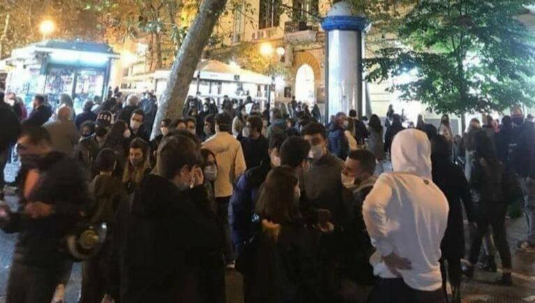 A Napoli sembra la vigilia di Natale altro che lockdown