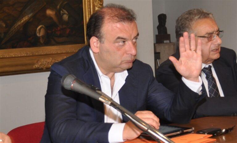 Soccorso azzurro, Fi sosterrà il sindaco Luigi de Magistris