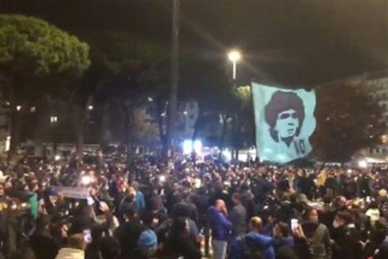 Napoli piange il suo mito, Diego Armando Maradona