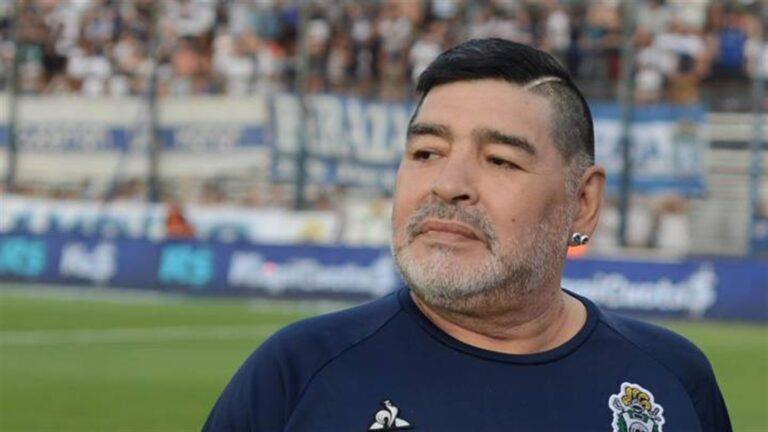 """Lo scrittore De Giovanni: """"Maradona è stato l'interprete dell'anima di Napoli"""""""