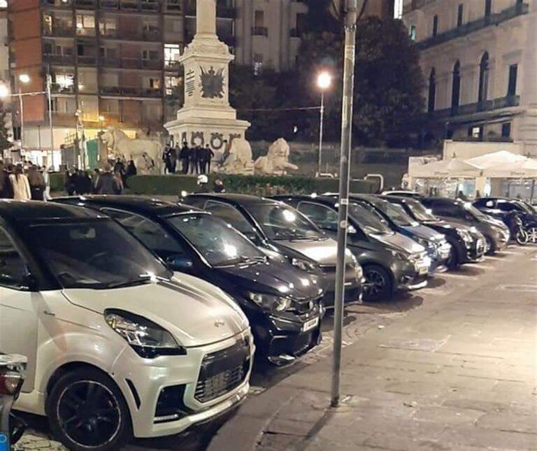 Piazza dei Martiri, minicar e scooter : È qui la festa!