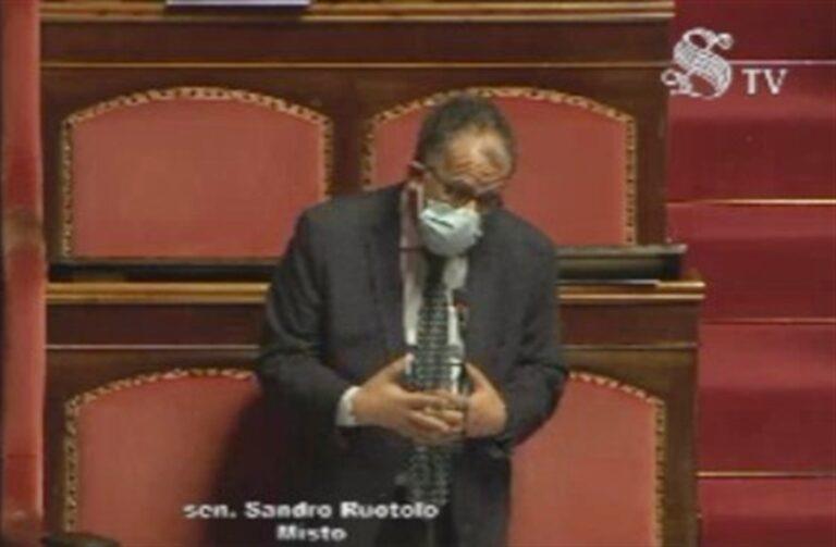 """Vertenza Whirlpool, senatore Ruotolo : """"Il Governo con i sindacati riapra trattativa con multinazionale. A Napoli miscela esplosiva, classe operaia baluardo contro l'eversione"""""""