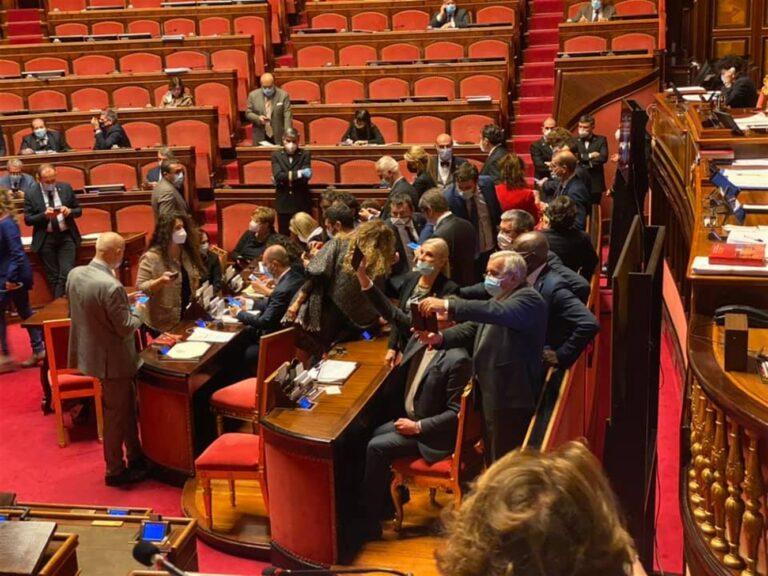 Il Senato approva il Dl Sicurezza, ceffone alla destra salviniana: torna l'umanità e il buonsenso con i migranti