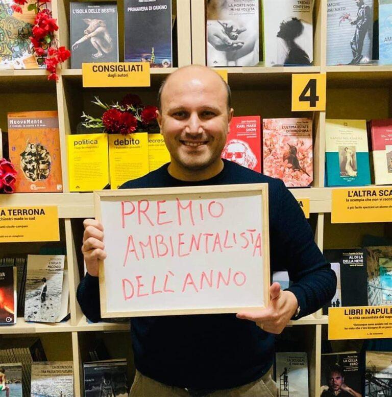 Premio Minazzi a Esposito La Rossa, editore di Scampia