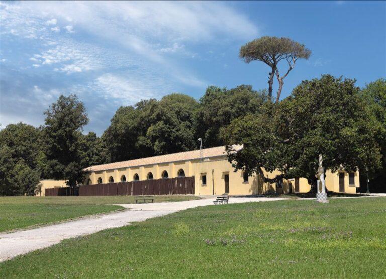 """L'edificio Fagianeria del Real Bosco di Capodimonte diventa sede vaccinale Covid: """"Lasciati contagiare solo dalla bellezza"""""""