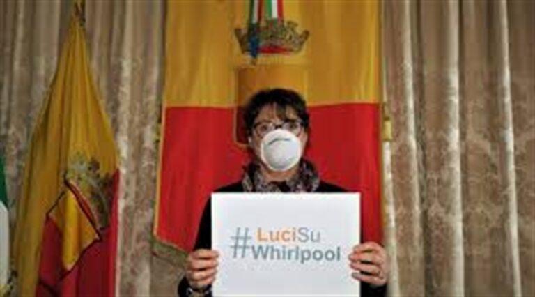Rimpasto a Palazzo San Giacomo, via l'assessore Buonanno: l'ira dei lavoratori della Whirlpool