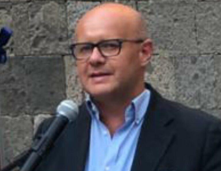 """""""Napoli in Comune a Sinistra"""" tuona contro il cambio di giunta e critica il sindaco de Magistris : """"Pensa a organigramma politico"""""""