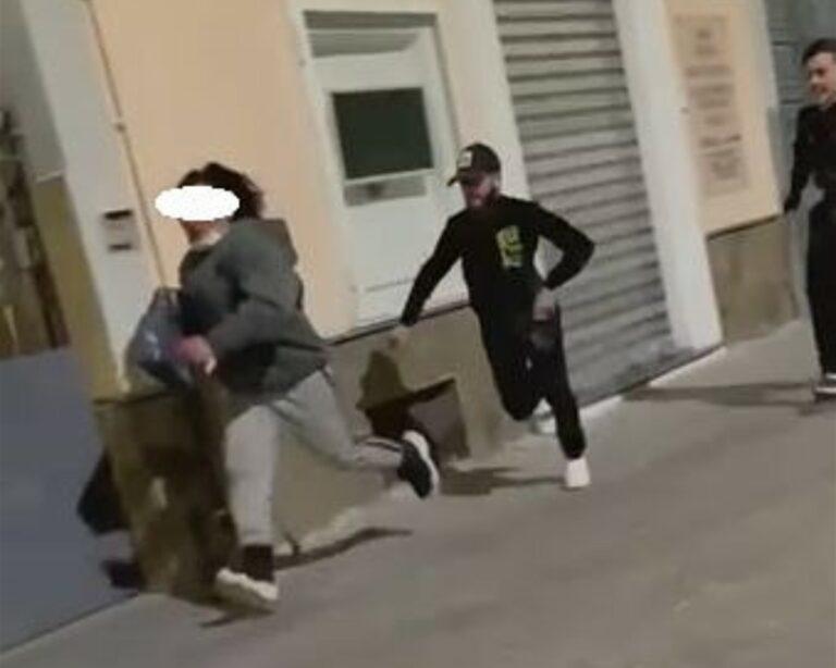 Torre del Greco, aggressione transgender: indagini della polizia per identificare il branco