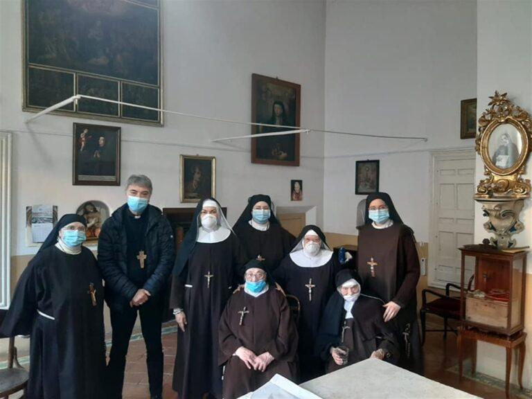 """Il nuovo Arcivescovo di Napoli dalle suore di clausura che gli hanno chiesto: """"Dare visibilità alle donne che operano instancabilmente nella nostra diocesi"""""""